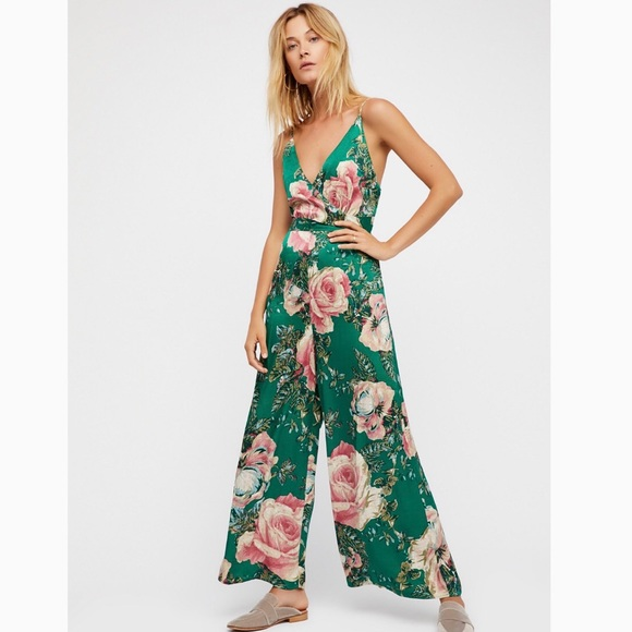 b2a7a9cb77e3 Free People Other - Free People Women s Green Cabbage Rose Jumpsuit